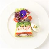 小坪漁港直送天然真鯛と旬の鎌倉野菜たっぷりのテリーヌ キャビアと金色の輝きを添えて