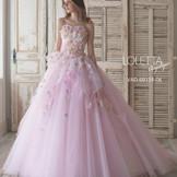 お色直しのドレスカラー展開も豊富!!  新郎新婦の衣装はもちろん、ゲストの衣装も豊富!!