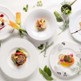 イタリアンフレンチで皆様に素敵なおもてなしと満足を。 お二人が皆様の事を思いながらお料理の構成を頂ける、アンジェパティオの特徴「プリフィックススタイル」はこだわりと思いが詰め込まれております。