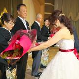 親御様への感謝の花束贈呈
