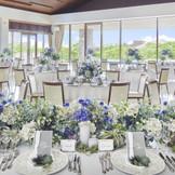 ミーツの「南国リゾート」を象徴する2Fのバンケット 【カーサ・プルメリア】 「気品」という花言葉そのままに ゲストの皆様を体験した事のない非日常へご案内します