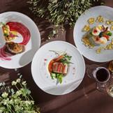 料理はオリジナル食材や地元食材を使用したアレンジメニューにも柔軟に対応してくれる