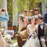 すべてを貸切にした自由な結婚式は「ひ と味違う結婚式が叶えられる」と先輩 カップルやゲストからも評判だ。ゲス トの移動も少なくなるよう設計されて いるので、年配ゲストや子供も安心。フェアに足を運んで体感して。