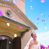 チャペルからのフラワーシャワーは花嫁様の一番輝く瞬間!