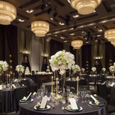 4階:シンフォニー 高貴で洗練された会場で他とは違うオンリーワンの披露宴を