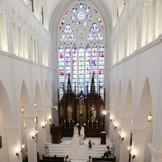 光溢れる白亜の大聖堂。
