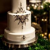 フルオーダーメイドのウェディングケーキはペストリーシェフと綿密なお打合せでおふたりらしさを演出