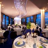 22階の披露宴会場『アマデトワール(星空)』★ワンフロア貸切★大迫力の景色とお料理・・・W(ダブル)のおもてなしでゲストの方々も大満足♪