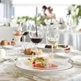 140年以上新潟の素材を生かしながら受け継がれてきたイタリア軒の味。 地元のお客様に愛されながら提供されてきたシェフの腕は、【美味しい】のはもちろん目で見た瞬間に【楽しい】お料理をご提供いたします。