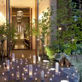 ナイトウェディングも人気!幻想的でロマンティックな儀式を。