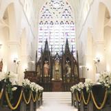 多くのカップルがココを選んだ理由として大聖堂の雰囲気を挙げています♪