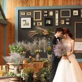 結婚式のカタチをイチから考えなおし、ご提案をするために作れた会場、グランピングテラス。フォトジェニックな空間でもっと自由な一日を。