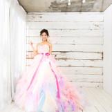 HANYドレス「可愛くエレガントな花嫁を作る」がコンセプト コラリー