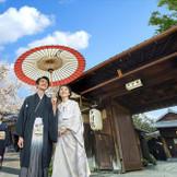 八坂神社式の際には中村楼の門前参道から花嫁行列でお進みいただきます