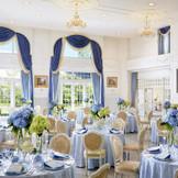 大きな窓と高い天井が特徴。上品さと可愛らしさを兼ね備えたフランス館