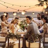 夕景の中、オーシャンビューのテラスでの会食もできるレストランでの二次会や、ウェディングもオススメ!家族婚や海外挙式後の1.5次会も受付中!