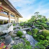 春は桜、秋は紅葉と季節で表情を変える日本庭園は和洋問わず人気のフォトスポットに
