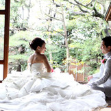 お茶室でドレス撮影もすてきなお写真が撮れます