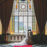 ステンドグラスからの外光は雰囲気抜群の写真が残せます。