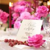 ザ・グランツ(50名~80名)モダンスタイリッシュな会場 季節に合わせて卓上の花や小物などコーディネートを変えれば、また違った印象に