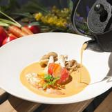 【ブイヤベース】南フランス伝統料理のブイヤベースを味わえるのはヴィラ・デ・マリアージュだけ