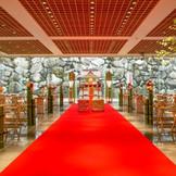 自然光振り注ぐ独立型神殿で叶える日本の伝統式