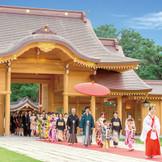 神門回廊が竣工し、新潟縣護國神社の参進も生まれ変わりました!御神門を通り大拝殿に進む光景は圧巻です!