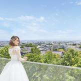 会場に隣接した「テラス」長岡市街を一望できる絶景のロケーション