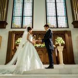 本物の教会で永遠の誓いを