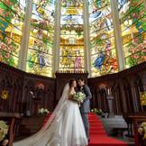 本場イタリアの伝統と職人の想いが詰まった本格大聖堂でふたりが愛を誓い合うシーンは美しい、夢見た憧れの挙式がここに