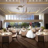 美しい日本庭園を望む天井高7mの開放感あふれるパーティ会場