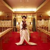 ホテル内には『知立神社』の御分霊を祀る神殿を完備。移動の負担がなく、天候も気にすることなく神前式が叶います。挙式は勿論、知立神社の斎主様と巫女様が執り行います。