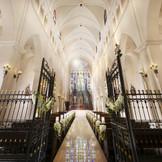 世界遺産にも登録されている『ウエストミンスター寺院』より祝福を受けた本物の大聖堂。口コミでも評価は高く、クラシックで格調高い挙式を実現する。