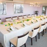 少人数のお食事会にぴったり♪ 歓談と料理そして眺めを 堪能できる会場です!!