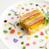 目でも楽しめる彩豊かな料理の数々