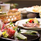 彩鮮やかな観た目にも美しいお料理をお楽しみください。