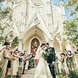 「まるで絵本でみたお城みたい・・・」と、花嫁たちが一目で虜になる白亜の大聖堂。
