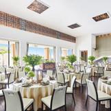 スタイリッシュ&モダンをコンセプトにしたバンケット「ラグーン」は、高級リゾートのヴィラを思わせる優美さ。200名様を収容できるスケールを誇り、他では味わえないゆったりとしたパーティーを満喫していただけます。