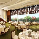 大きな窓からは和庭園を一望できるパーティ会場。四季折々の景観を愉しんで(イメージ)