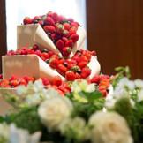 ペストリーシェフがお二人の希望をもとに創りあげるオリジナルケーキ