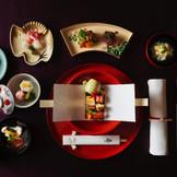 料理にも脈々と受け継がれる粋と技。素材の味を生かして抜け感も持たせた絶妙なバランスが日本料理の命