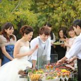 ガーデンにてシェフが目の前で調理する鉄板料理は、大人気のメニューです!!!ゲストの皆さまと一緒に楽しみましょう♪