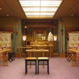 日本の伝統美に包まれた神殿。