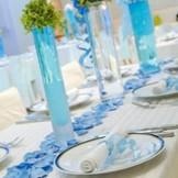装花やクロスの色などテーブルコーディネートもふたりの希望が叶うのでスタッフに相談を!