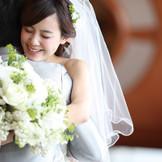 決まりやしきたりにとらわれない、心温まる結婚式を