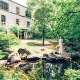 日本庭園から見た旧桜宮公会堂の外観。また一味違う美しい光景が広がります