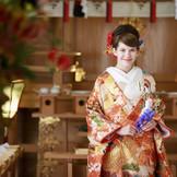 様々な種類のお着物にも合う神殿