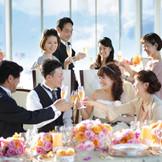 【ミル・クレマンス】最上階からの景色を眺めながら出来立ての料理とゲストとの会話を楽しむ
