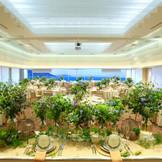 2017年2月にリニューアルした披露宴会場のフェリシタ・空と海と緑を感じる200名修養のパーティ会場