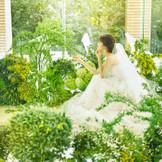 お2人が選ぶ生花で彩る洗練された空間
